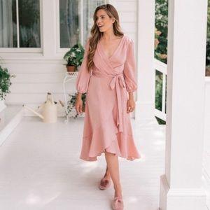 NWT Gal Meets Glam Jennifer Dress